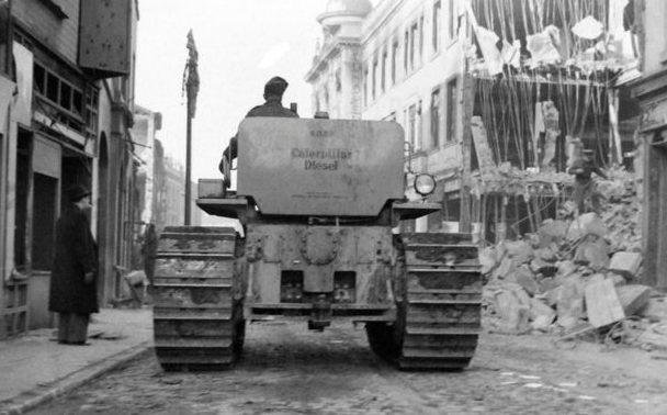 Расчистка улиц от завалов. Ноябрь 1940 г.