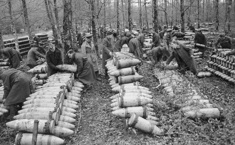 Склад боеприпасов в лесу. 4 февраля 1940 г.