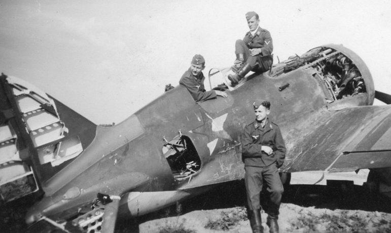 Захваченный советский аэродром в Украине. Июнь 1941 г.