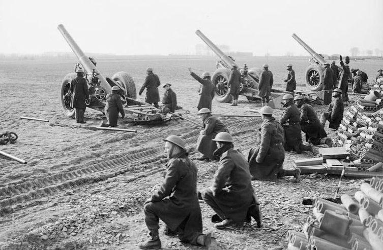 Британские 7,2-дюймовые гаубицы 3-й батареи 1-го тяжелого полка на учениях. 12 февраля 1940 г.
