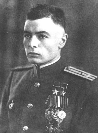 Дважды Герой Советского Союза Петров Василий Степанович (05.03.1922-15.04.2003)