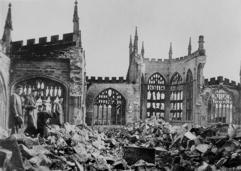 Руины собора Святого Михаила. Ноябрь 1940 г.