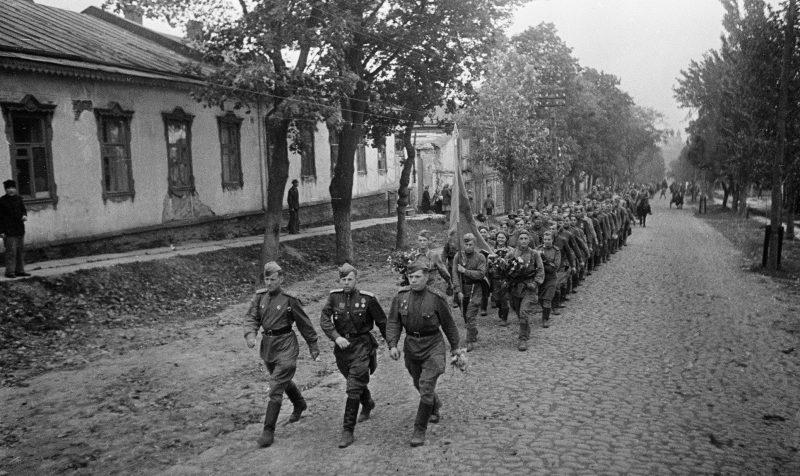 Красная Армия в Полтаве. Сентябрь 1943 г.