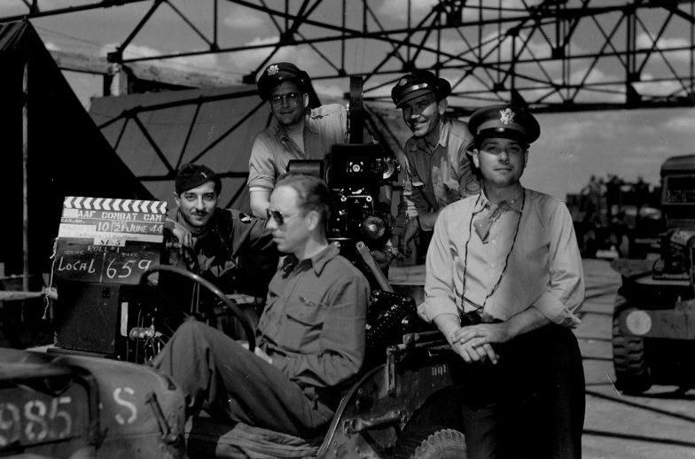 Американские офицеры у кинокамеры. Полтава, 1944 г.
