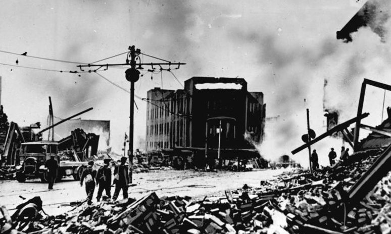 Разрушения после январского налета. 1941 г.