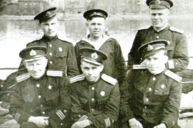 Маринеско и сослуживцы. 1943 г.