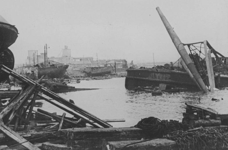 Вид на Керченский порт после захвата города немецкими войсками. Июнь 1942 г.