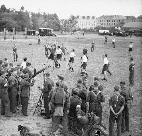 Солдаты Британского экспедиционного корпуса на «Странной войне». Апрель 1940 г.