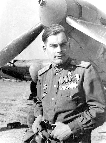Герой Советского Союза старший лейтенант Михайличенко. 1944 г.