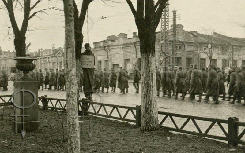 Повешенные евреи в Симферополе. 1942 г.
