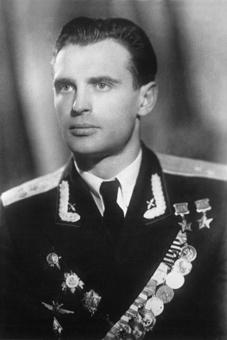Дважды Герой Советского Союза полковник Мыхлик. 1966 г.