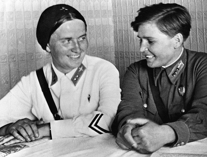 Марина Раскова и Полина Осипенко. 1938 г.