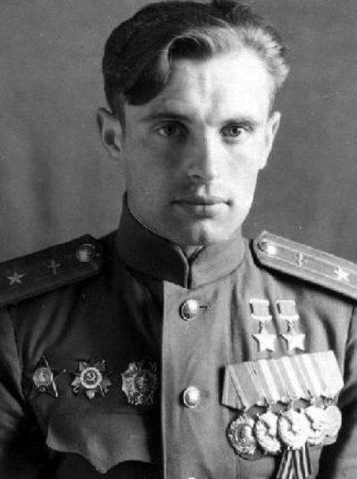 Дважды Герой Советского Союза майор Недбайло. 1946 г.
