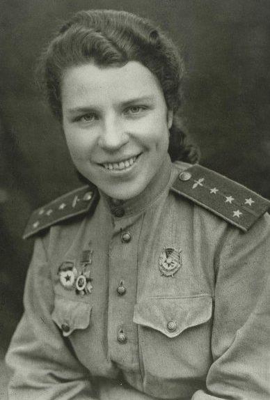 Капитан Евдокия Никулина. 1943 г.