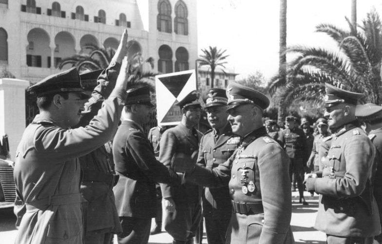 Эрвин Роммель и Йоханнес Штрейх в Триполи на встрече с итальянским главнокомандующим Итало Гарибольди.