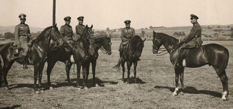 Царь Борис с болгарскими и немецкими офицерами.