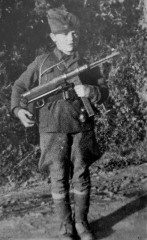 Боснийский мальчик-партизан Богдан Белакович. 1943 г.