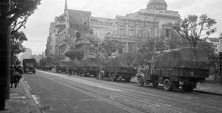 Немецкие войска входят в Белград.