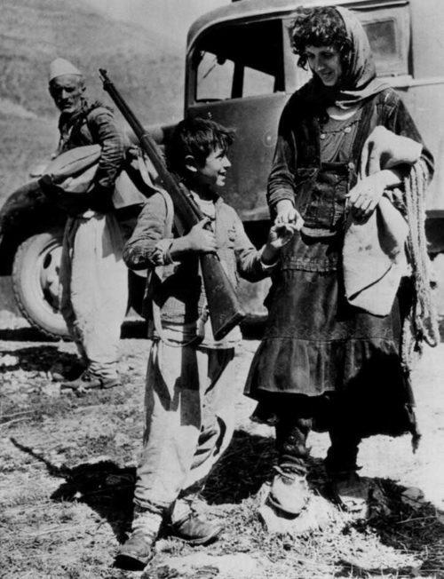 Юный албанский партизан. 1942 г.