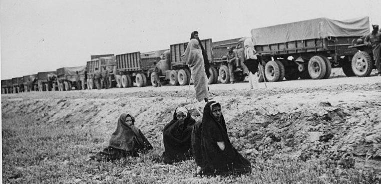 Студебеккеры в Иране по пути в СССР.