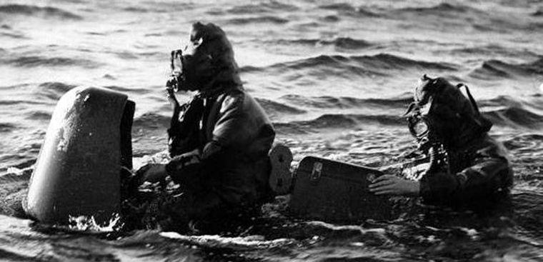Человекоуправляемая торпеда «Майяле» в надводном положении.