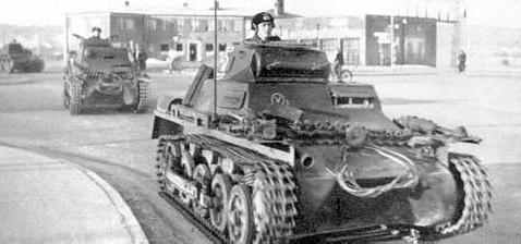 Немецкие танки в городе Обенро. 9 апреля 1940 г.