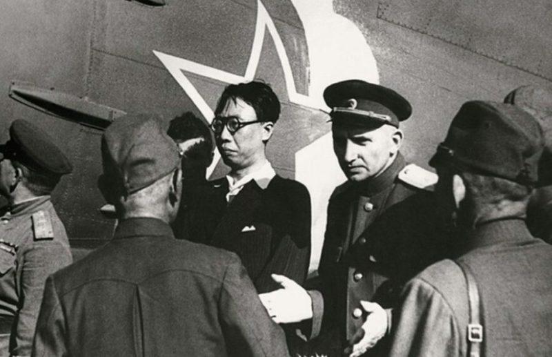 Арестованного императора Пу И переправляют в СССР.