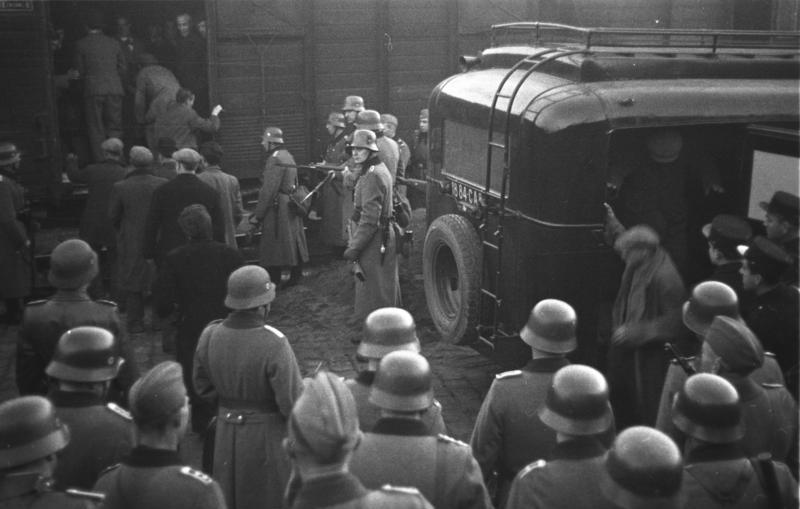 Депортация евреев. Марсель. 24 января 1943 г.