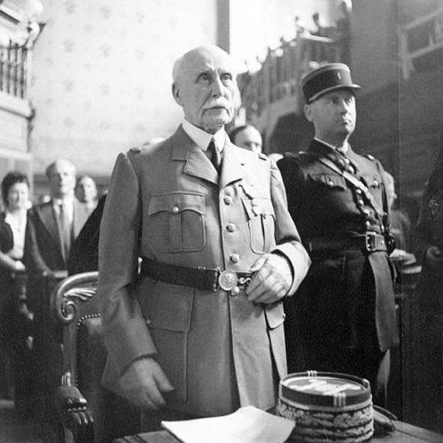 Петен во время суда над ним. Июль 1945 г.