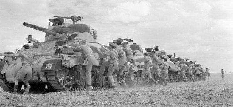 Британские «Шерманы» в пустыне.