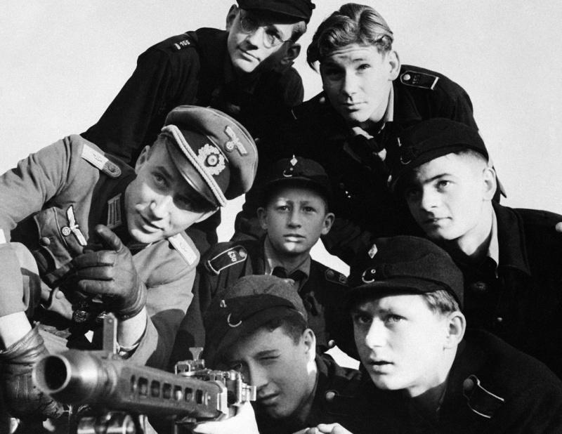 Обучение Гитлерюгенда. 1944 г.