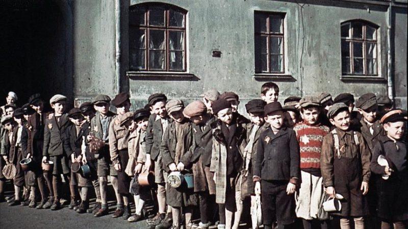 Дети в Лодзинском гетто. 1942 г.
