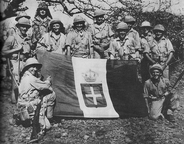Итальянское подразделение перед наступлением. 1940 г.