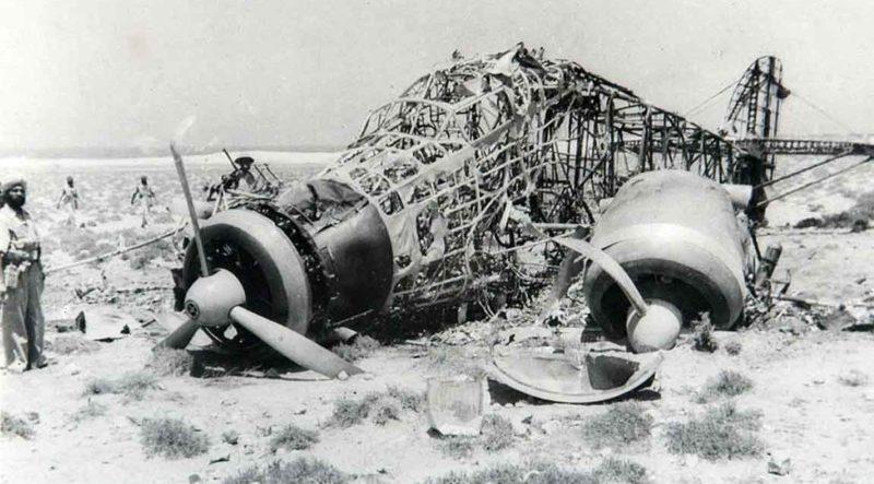 Итальянский сбитый самолет. 1940 г.