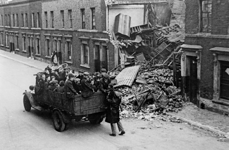 Эвакуация детей из Лондона после налетов немецкой авиации. 1940 г.