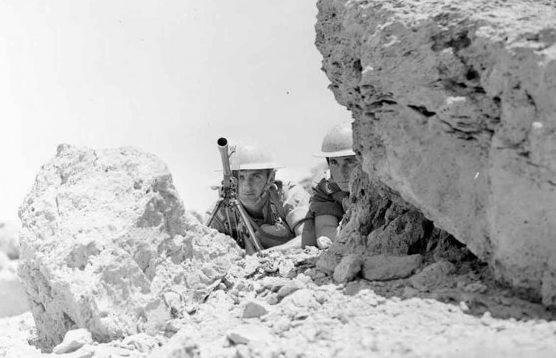Британские пулеметчики в засаде. 1940 г.