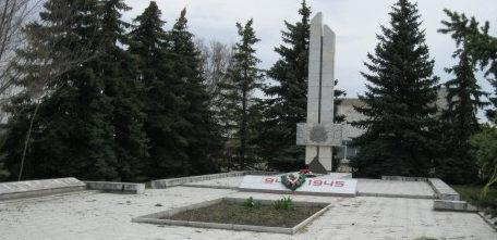 х. Катасонов Михайловского р-на. Памятник воинам-землякам, погибшим в годы войны.