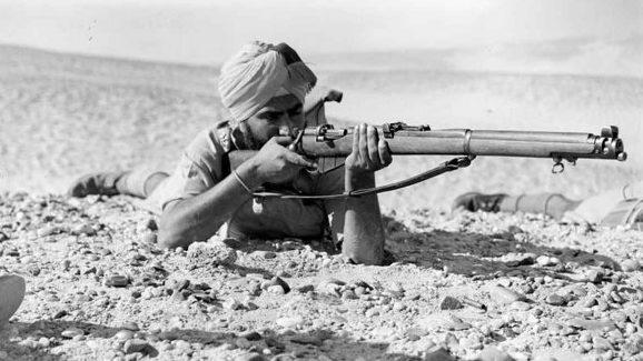 Индийский стрелок британской армии. 1940 г.