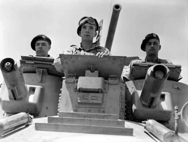 Британский экипаж легкого танка A9 Cruiser Mk I. 1940 г.