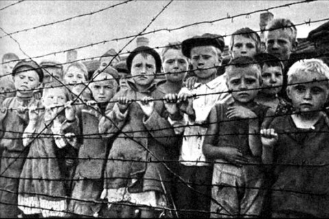 Освобожденные дети Освенцима. 1945 г.