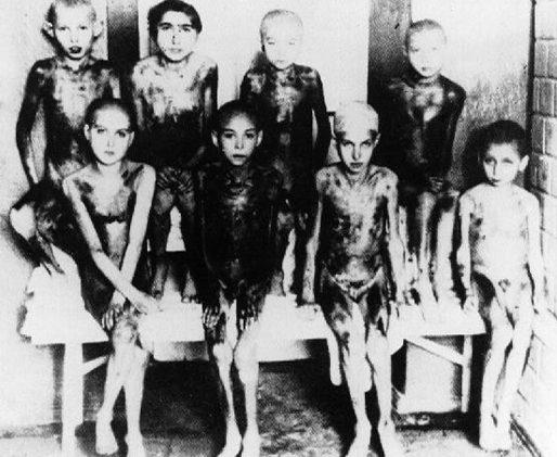 Спасенные дети с концлагеря Саласпилс. Латвия, 1944 г.