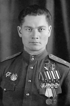 Дважды Герой Советского Союза майор Сивков. 1945 г.