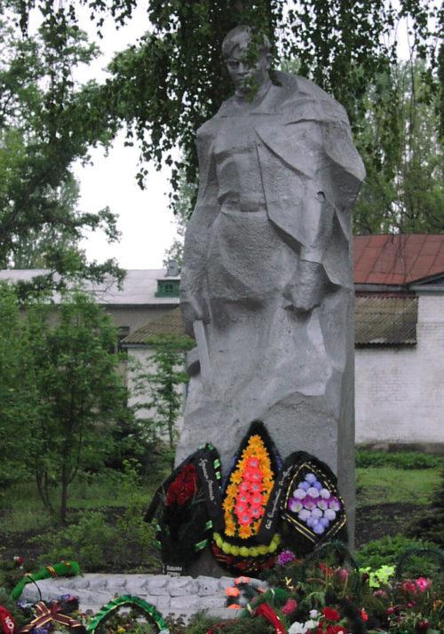 Нехаевский район. Братская могила воинов.