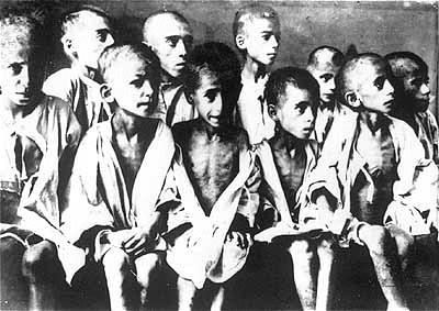 Дети-узники концлагеря Равенсбрюк. Германия, май 1945 г.