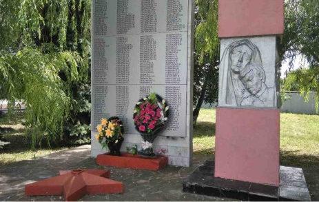 х. Нижнедолговский Нехаевского р-на. Памятник, погибшим в годы войны.