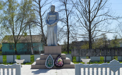 ст-ца. Тишанская Нехаевского р-на. Монумент «Скорбящая Мать», установленный в честь погибших земляков.