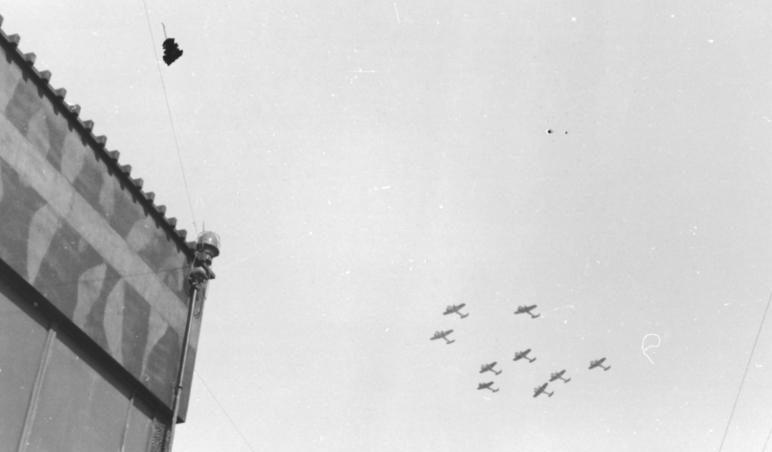 Бомбардировщики Dornier Do-17 над Британией. 1940 г.
