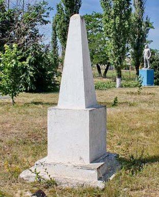 х. Большетерновой Чернышковского р-на. Братская могила неизвестных воинов, погибших в 1943 году.