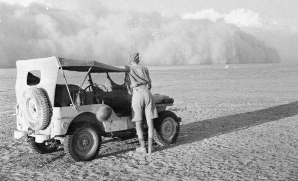 В ожидании песчаной бури. 1942 г.