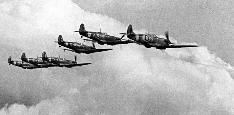 Истребители «Spitfire» польской 303-й истребительной эскадрильи. 1940 г.